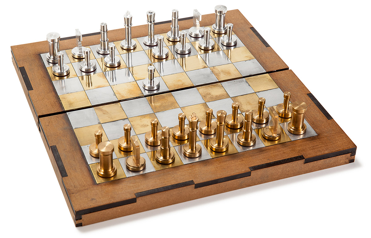 Steel Chess Set chess set with brass and aluminum pieces – analog games