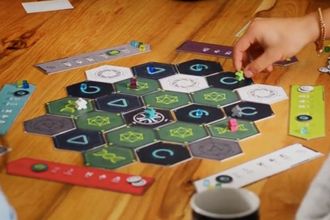 emergence_kickstarter_card_board_game_analoggames_analog_games_01