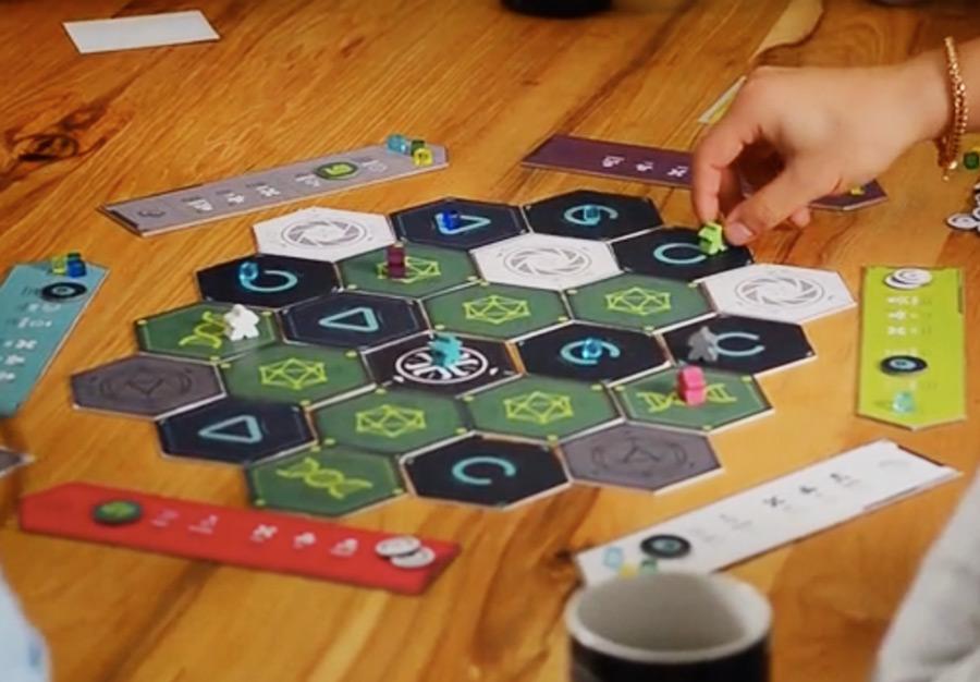 emergence_kickstarter_card_board_game_analoggames_analog_games_01