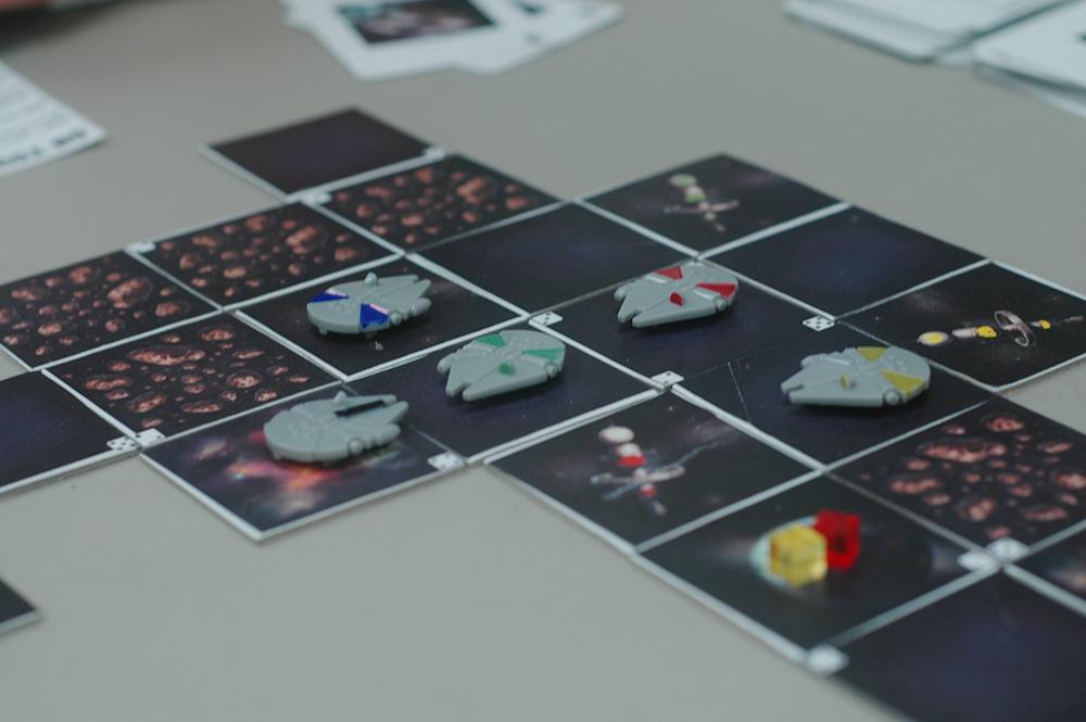 hyperspace_smuggler_tabletop_card_board_game_analog_games_01