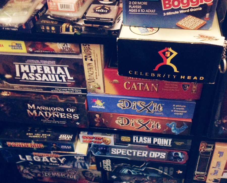 board_card_game_shelf_shelves_analoggames_analog_games_01
