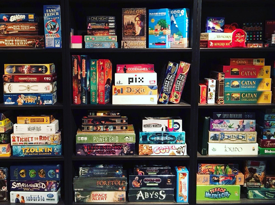board_game_shelf_shelfie_analoggames_analog_games_01