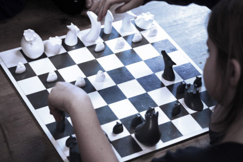 chess_board_game_children_imagination_imaginative_play_analoggames_analog_games_01