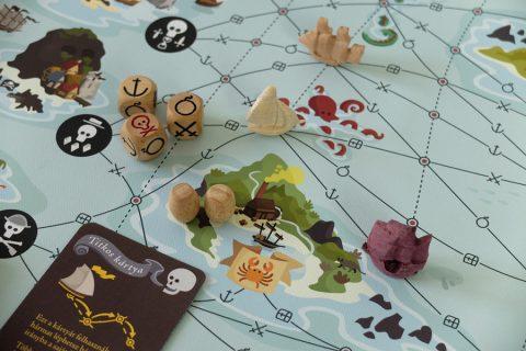 rum_smuggling_pirate_game_card_board_games_analoggames_analog_games_01