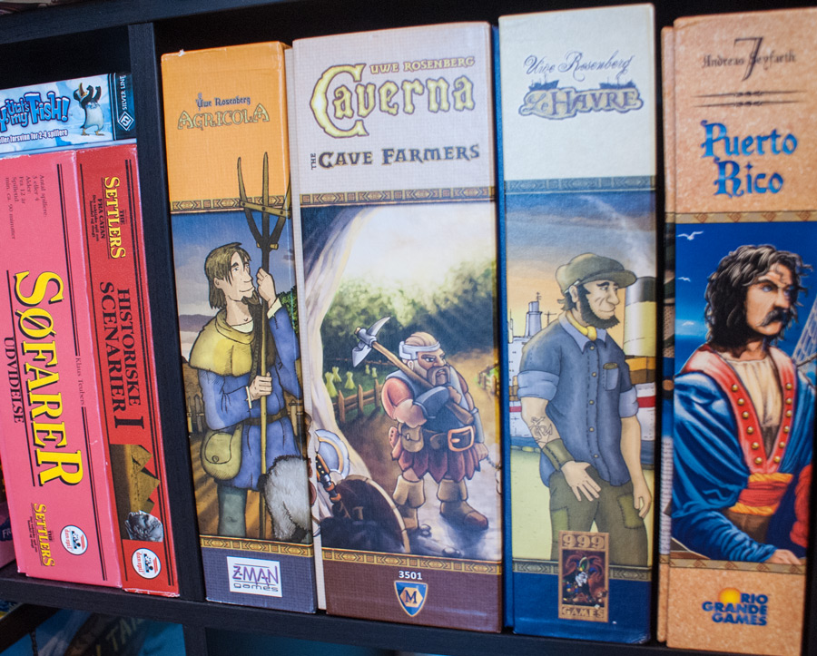 board_game_shelf_shelves_collection_story_analog_games_04