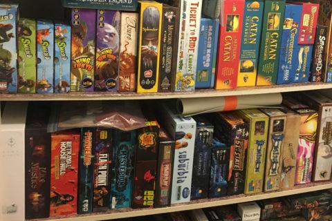 board_game_shelf_analog_games_01