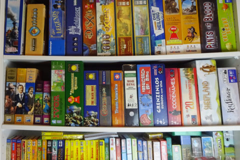 board_game_shelf_shelves_analoggames_01