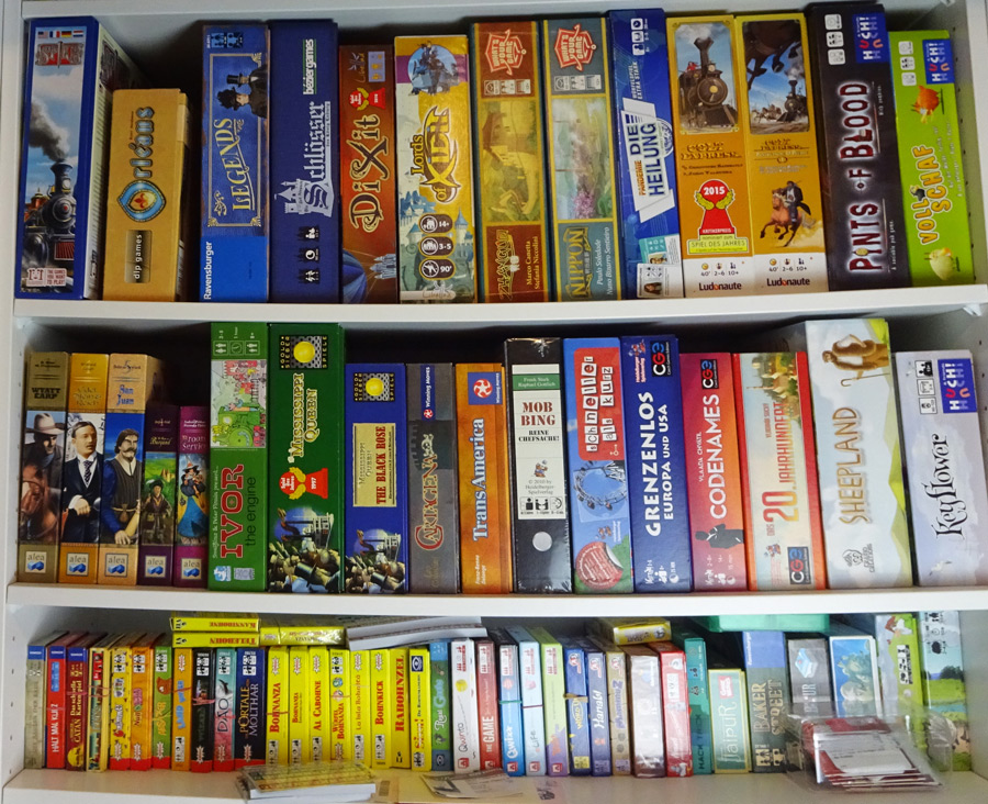 board_game_shelf_shelves_analoggames_01