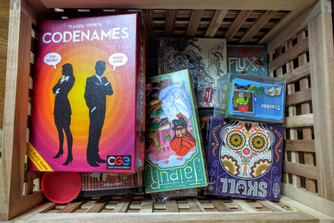 board_tabletop_shelf_shelves_shelving_card_analog_games_01