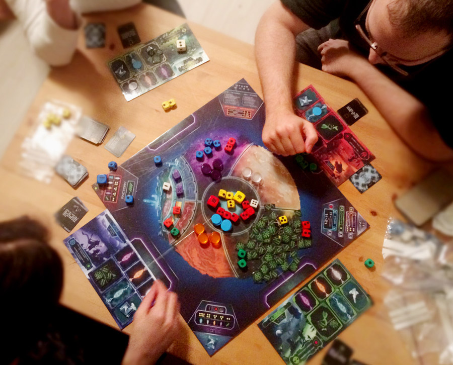sci-fi_dice_rolling_strategy_boardgame_tabletop_analog_games_01