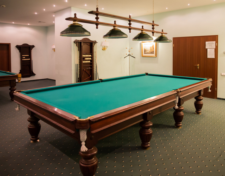 Whats The Difference Between American And English Pool Tables - English pool table